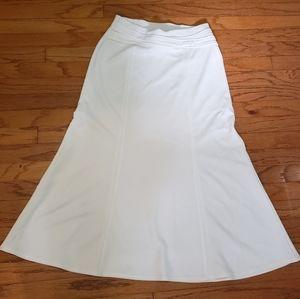 NYCC White Trumpet Maxi Skirt Size Small